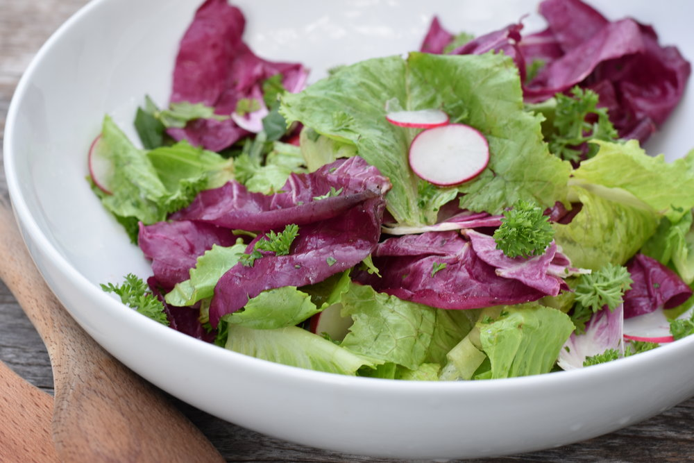 Crunchy side salad with herbs and radish