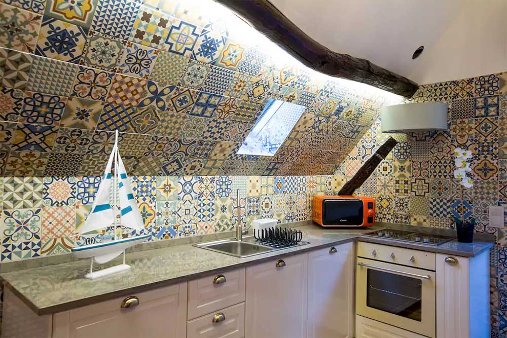 Our apartment in Porto. Image via  Airbnb.com