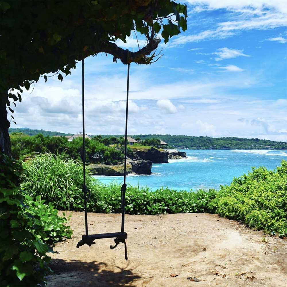 Dream Beach on Nusa Lembongan.