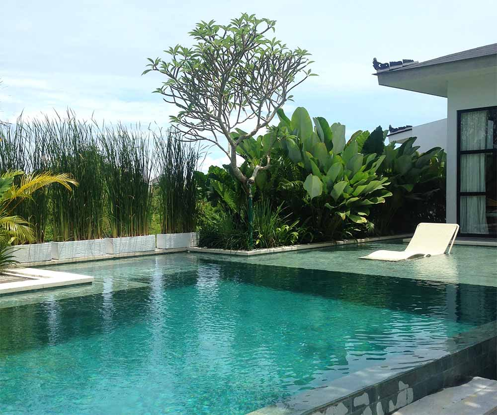 A luxurious infinity pool at another villa we visited.