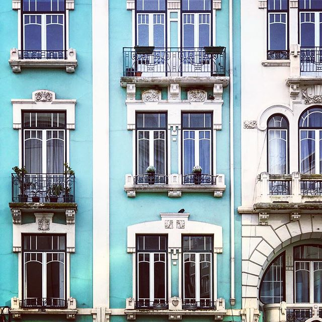 The streets of Lisbon are filled with so much colour, and so much beautiful architecture. #architecturelovers