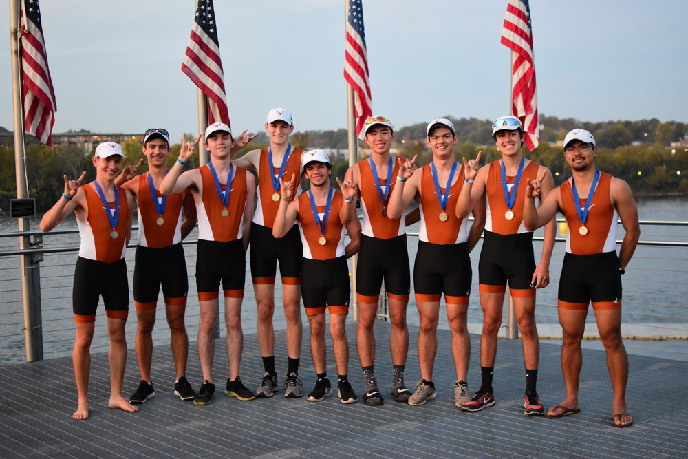 Texas' Mens College & Club Light 8+ won gold in Chattanooga at the Head of the Hooch (Nov 2017)