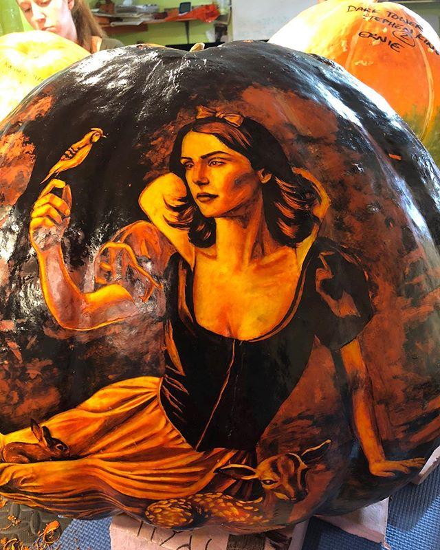 Carved! . . . . . . #jackolantern #jackolanternspectacular #jackolanternspectacular2018 #pumpkin #pumpkins #sharpie #prismacolor #snowwhite #carve #carving #drawing #ink #inktober #art #greyscale #rogerwilliamszoo #fall #pumpkincarving #halloween