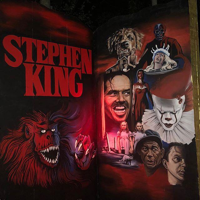 The Stephen King display I painted over the summer for the Jack-O-Lantern Spectacular 🎃 . . . . . . . #jackolantern #jackolanternspectacular #jackolanternspectacular2018 #rogerwilliamszoo #pumpkin #jackolanterns #painting #setdesign #it #shining #theshining #creepshow #petsematary #carrie #cujo #shawshankredemption #stephenking