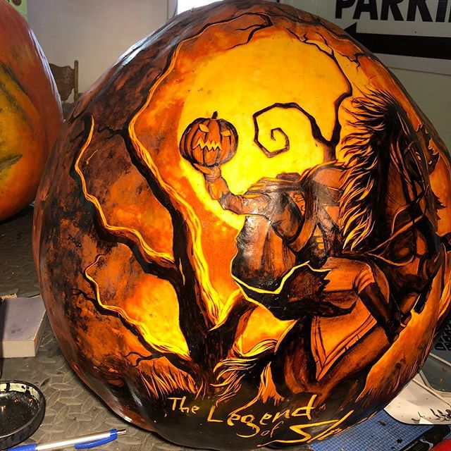 The last pumpkin I did for the season! Already can't wait for next year . . . . . . . #jackolanternspectacular #jackolantern #sleepyhollow #thelegendofsleepyhollow #pumpkin #ink #carving #art #rogerwilliamszoo #storybook #fall