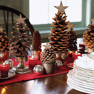 simple-cute-little-christmas-tree-made-of-pine-cones-craft-idea-for-children-diy-table-decor