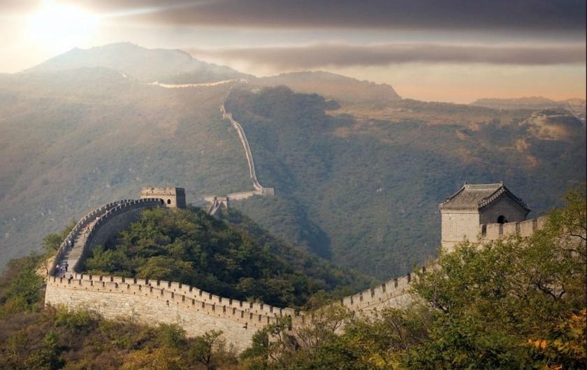 Caminhando à sombra da grande muralha -