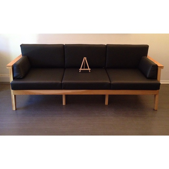 Starting half an hour ago, you can now go sit your butt on this sofa I made for #upper751 for #todo15. #designweek #nofarting