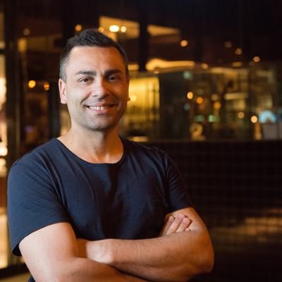 JOHNNY DI FRANCESCO, PIZZA REVOLUTION CAPTAIN   Since the age of 12, Johnny Di Francesco has had a love for pizza and traditional Italian food that has driven him. After heading to Italy to train in traditional techniques, methods, and in restaurants across the country, Johnny returned to Melbourne determined to introduce the food of Naples.   In 2008, 400 Gradi was born with the opening of 400 Gradi Brunswick, Melbourne.   In April 2014, Johnny was crowned the World Pizza Champion at the Campionato Mondiale Della Pizza in Italy, the first Australian to have ever won. Competing against 600 other competitors from 35 countries, Johnny's Margherita Pizza took out the top prize.  Now a Melbourne institution, 400 Gradi Brunswick embodies Johnny's passion and love of food, and has resulted in the expansion of the Gradi Group ON AN INTERNATIONAL LEVEL.