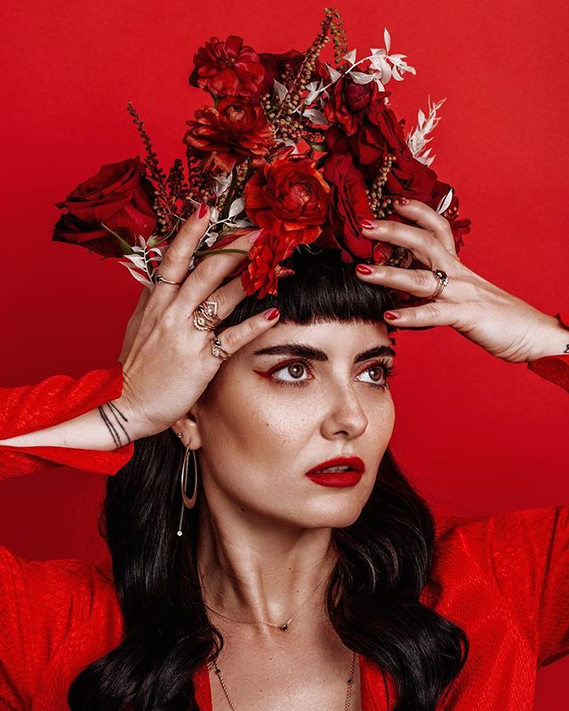 A floral crown fit for a Valentine's Day queen.  The limited edition buttercup rings are available from @marrowfine_ but only for a short time. Let me tell you, they are so beautiful just like this shot of @madmavenstyle by @champagneunicorns. Gorgeous face by @laramiemakeup #wildmusefloral #loveyourbones