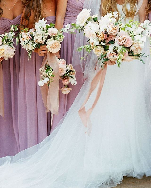 Oh heyyyy @stylemepretty. Nice to see you again so soon ;) link in bio to see more of this beautiful blush/mauve wedding. #wildmusefloral  Photo: @nataliebrayphoto  Ribbons: @silkandwillow @bellameribbon