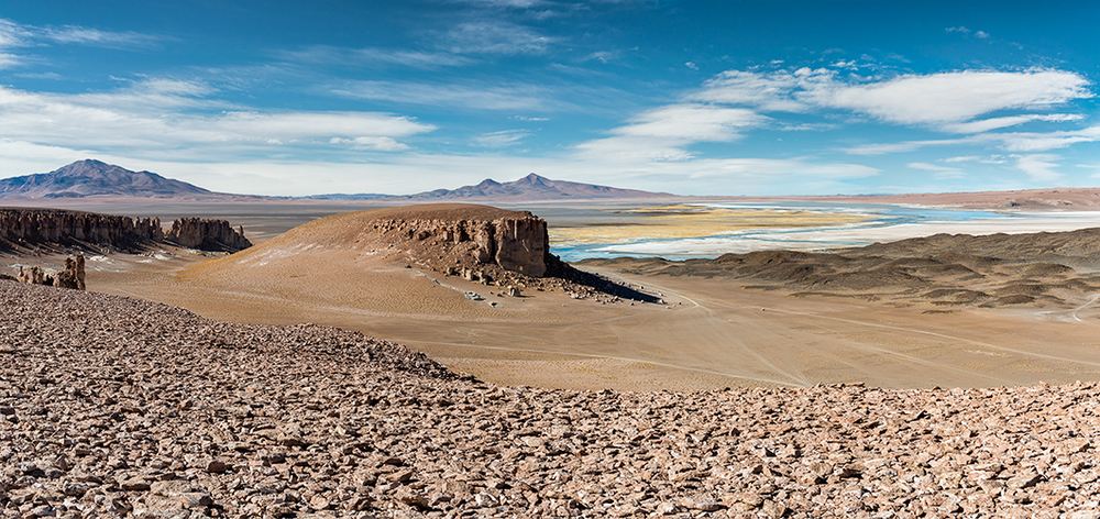 The landscapes of the Atacama desert are out of this world! Canadian Photographer effectively captures breathtaking photographs of the desert's mars-like scenery.  |  Retouching Blog