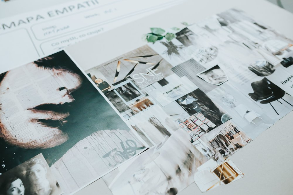 kaboompics_Stack of Design Magazines (2).jpg