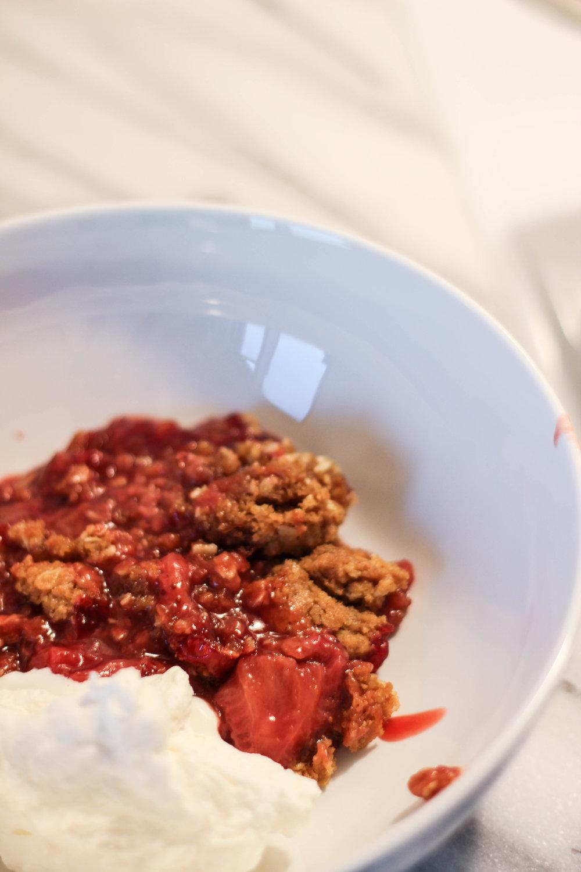 dear-serendipity-strawberry-crumble-recipe-5.jpg