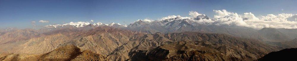 Les Annapurnas vus du nord, depuis le Haut Mustang.