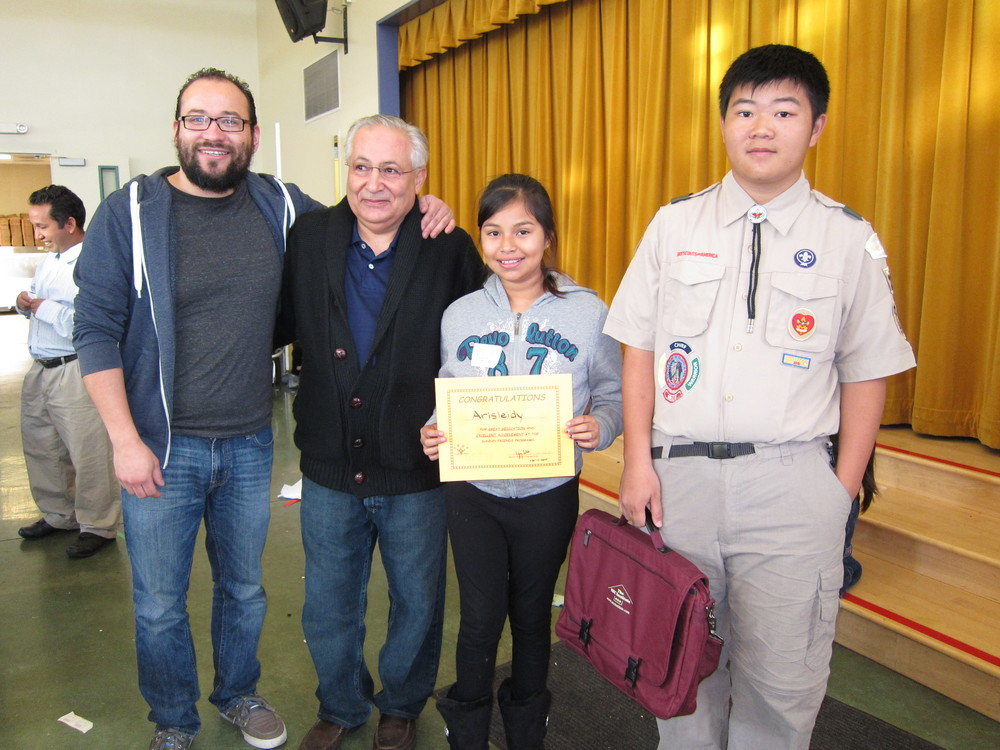 Presentation of refurbished Laptop at Sunday Friends: Terence Lee, Arisleidy, Ali Barekat, Abel Romero (right to left)