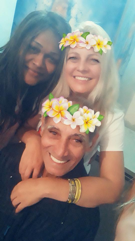 Francisca Albuquerque e seu pai .  Eu e meu pai e minha amiga. Feliz por estar no Brasil passando este dia com ele. Always Love!