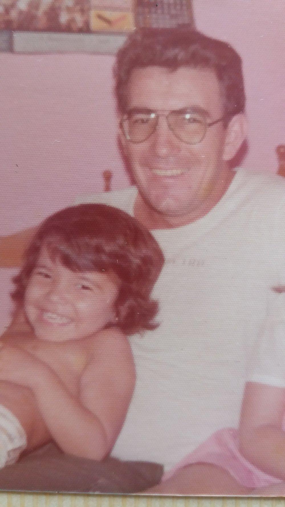 Marilene Falqueiro  Meu pai se foi muito cedo, aos 44 anos, mas me lembro de cada sorriso ao lado dele. Isso me da a certeza de que somos eterno. Porque o amor dado nunca nais morre. O amor que ele me deu ainda esta comigo! Saudades
