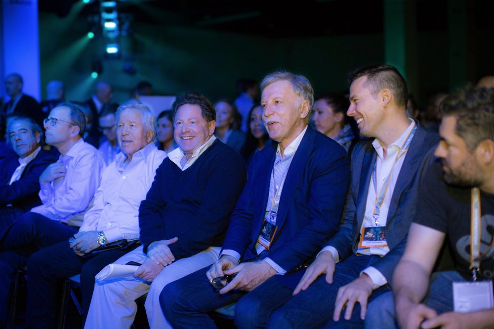 Bobby Kotick (Activision), Robert Kraft (Patriots) and C9 Owner Jack Etienne (Photo: Blizzard)