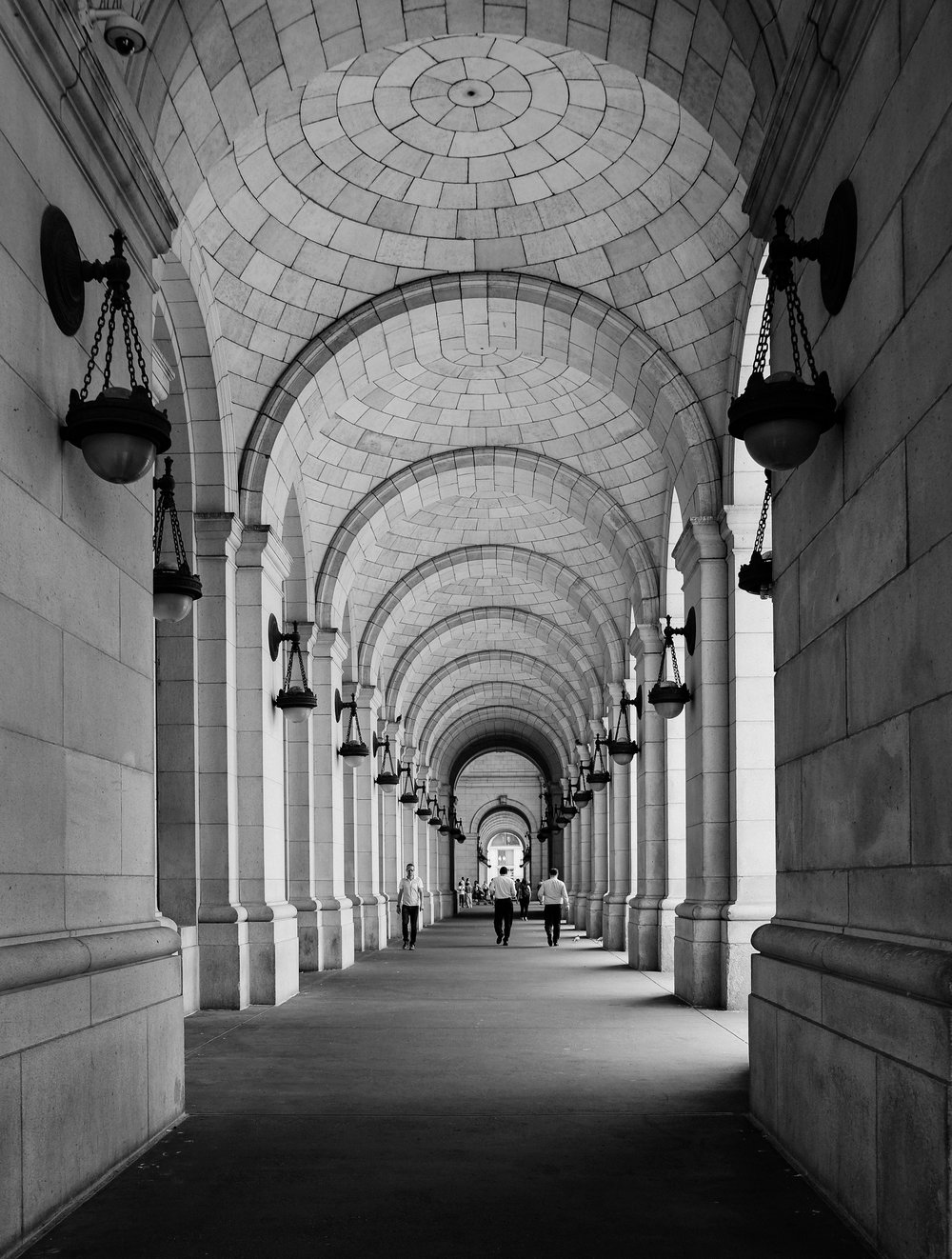 The Union Station was designed in the Beaux-Arts style and meant to mimic the  Roman Baths of Caraculla and Diocletian .