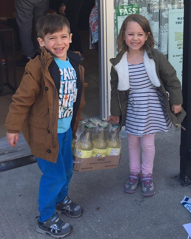 Look at them!  So many kids, like their parents, are crazy about our Limonana!  We sell by the case @crepesagogospadina and at @mrcasedelivery #kidsfood #organicbeverages #healthyfood #healthybeverages #deliciousbeverage #uniquebeverages #mintjulep #boissons #boissonsbio #boissonsnaturelles #naturalbeverages