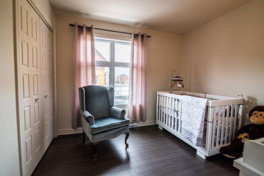 guest-bedroom-6135-rue-de-lusa-app-5-brossard-qc.jpg