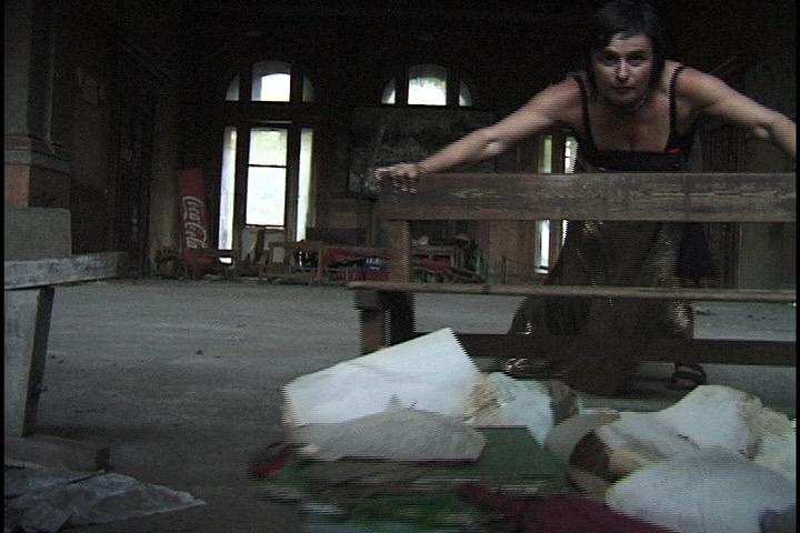 Ioana-Georgescu-Videostill-Body-Building-Perf.jpg