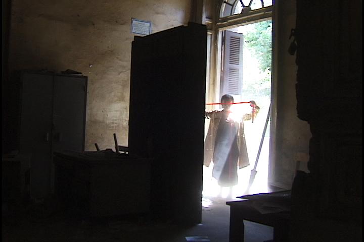 Ioana-Georgescu-Dust-Videostill-Door-Perf 2.jpg