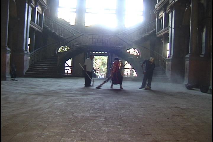 Ioana-Georgescu-Dust-Videostill-Balai-Ballet1.jpg