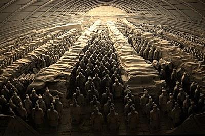Los soldados de terracota en la tumba del primer emperador chino, Qin Shi Huang.
