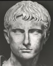 Busto de César Augusto el primer emperador de Roma.