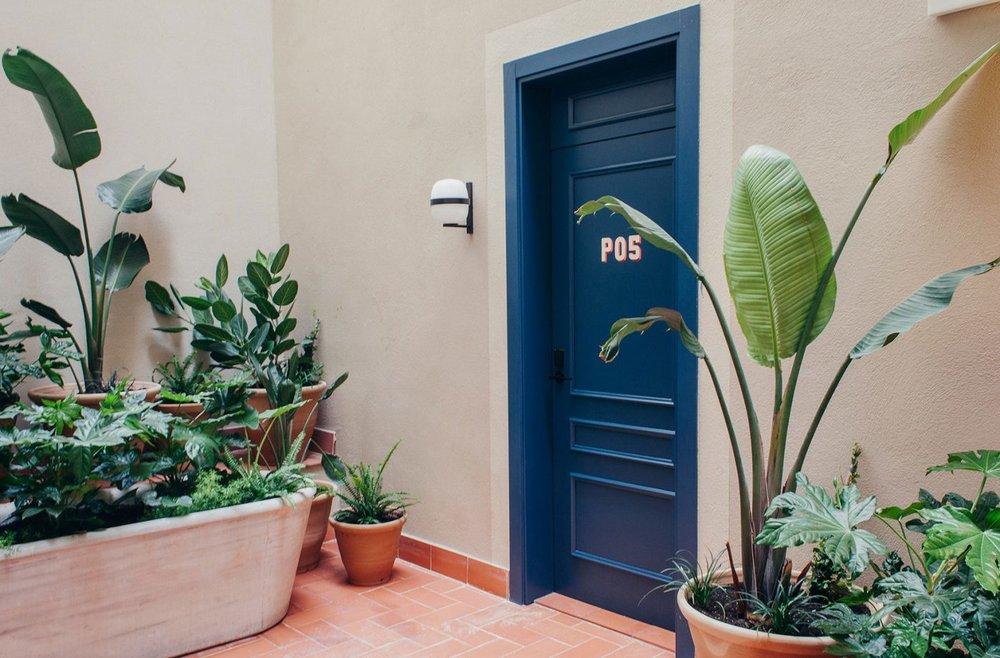 casa-bonay-barcelona-design-hotel-courtyard-large-terrace-03-1400x921.jpg