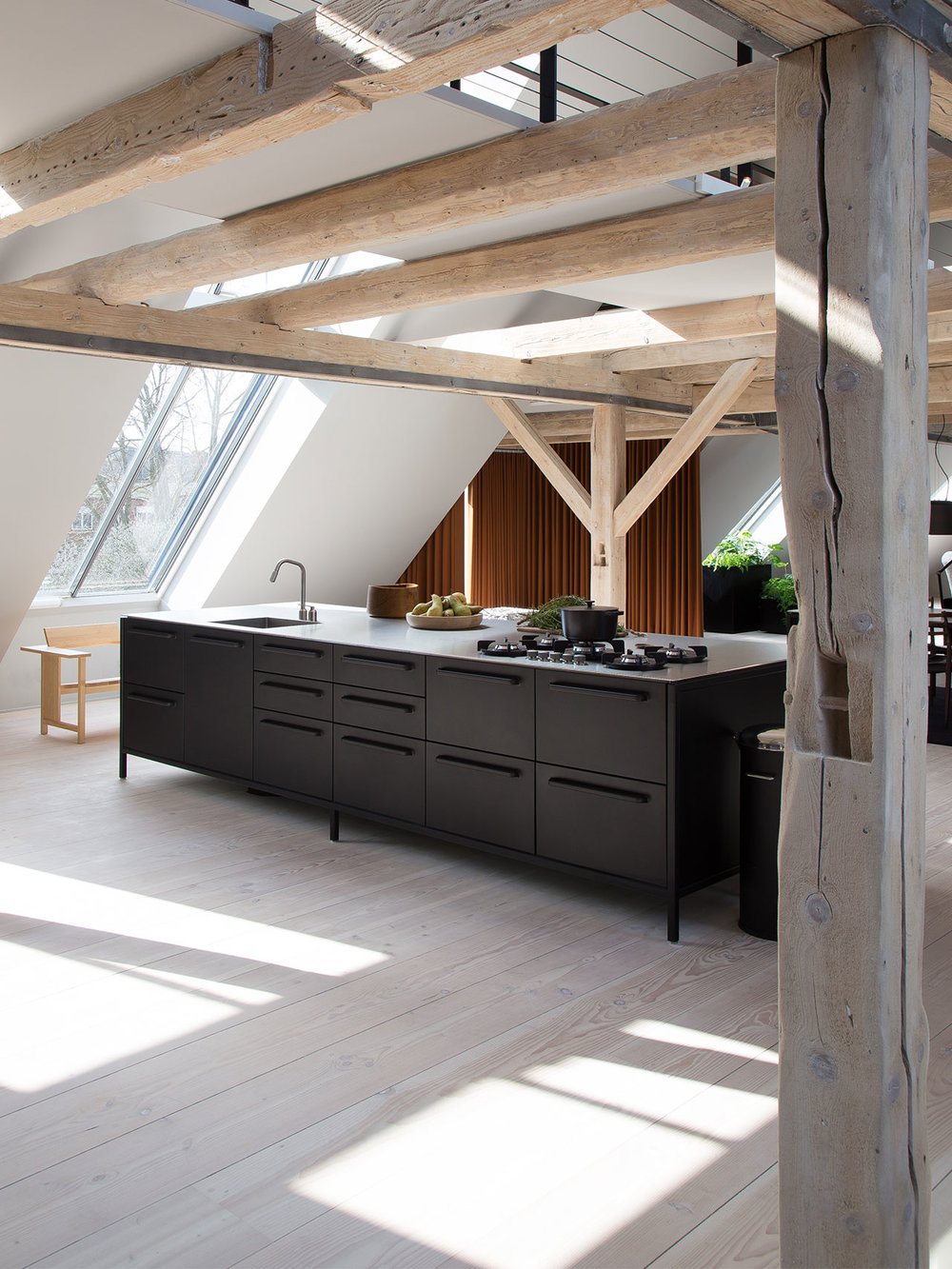 xvipp-kitchen-loft-4_0.jpg.pagespeed.ic.vY_NU4r13M.jpg