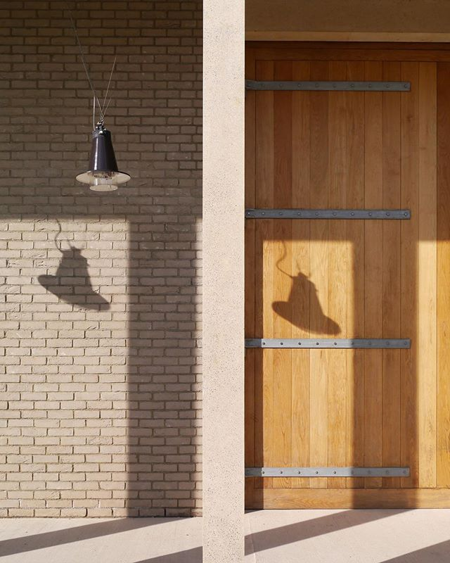 Hauser & Wirth's countryside home in Bruton, Somerset. The site was transformed from a jumble of disused farm buildings by Parisian architects Laplace, and now sings a soft, simple, beautiful lullaby. Full or quietly remarkable details, even the shadows seem part of the design. A wonderful cultural oasis in Somerset. — — #artaddict #postitfortheaesthetic #artgallery #fromwhereistand