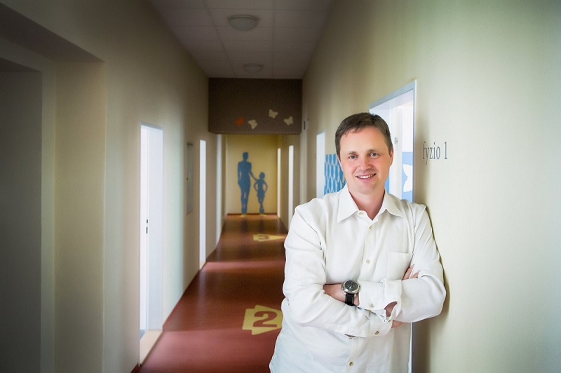 MUDr. Jiří Dostál - lékař a předseda představenstva ISL