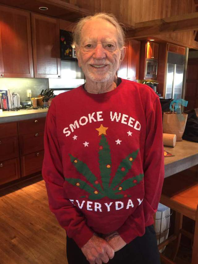 willie-nelson-sweater.jpg