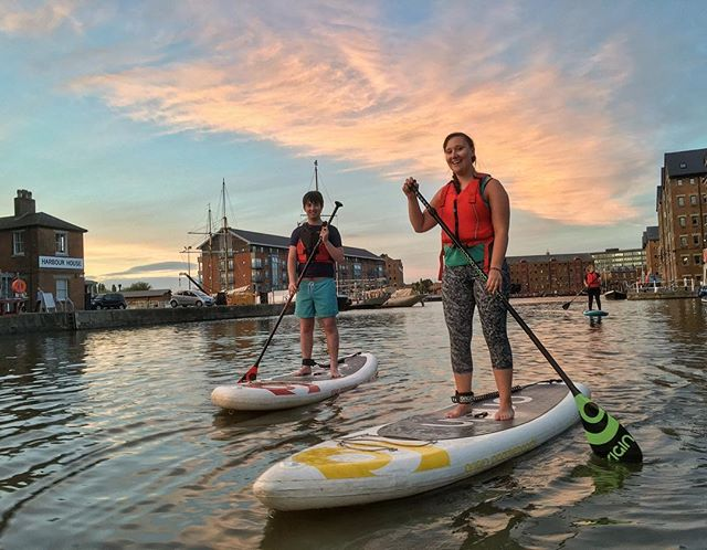 @jlesingham and @rhinorach came down to visit! Took them out for their first paddle last night, they did brilliantly! #sup #standuppaddle #standuppaddleboard #supclub #paddle #standuppaddleboarder #gloucester #gloucestershire #gloucesterdocks #canal #skyporn #awesomesky #getoutside #goexplore #originpaddleboards #sayyesmore #trysomethingnew #supgloucester