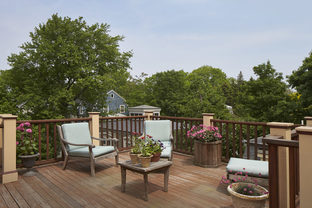 40_highland_ave_deck1.jpg