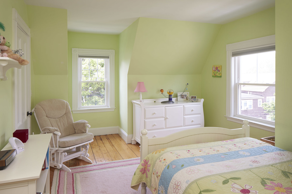 40_highland_ave_bedroom1.jpg