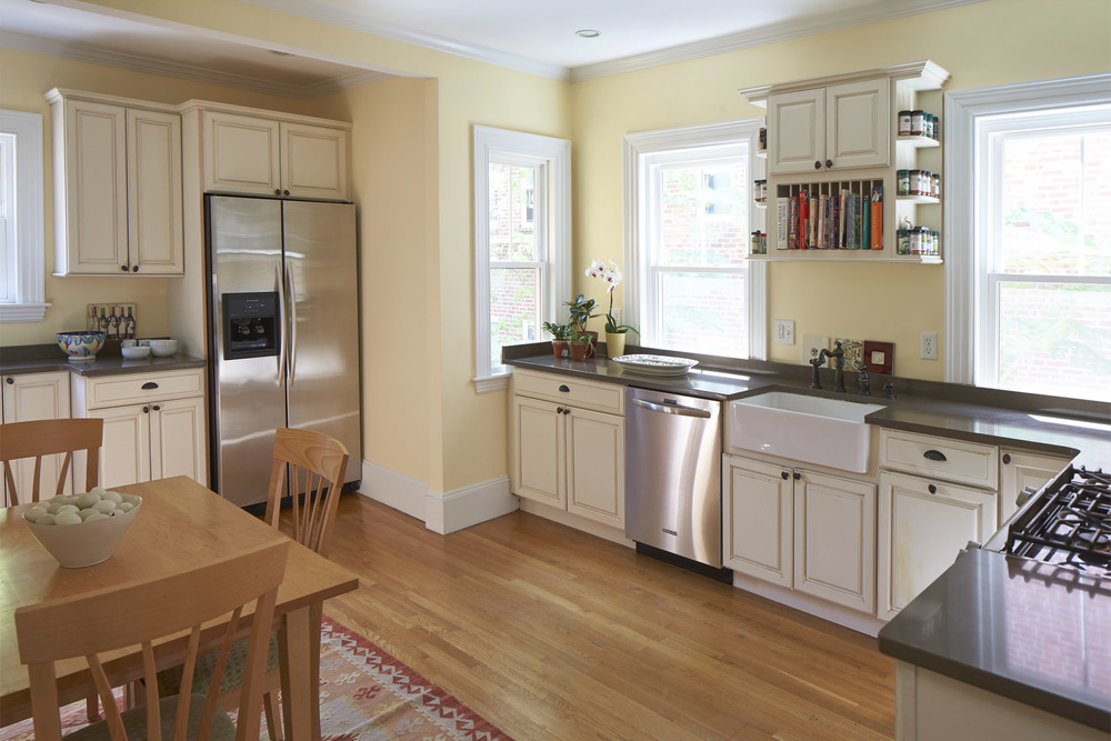40_highland_ave_kitchen2.jpg