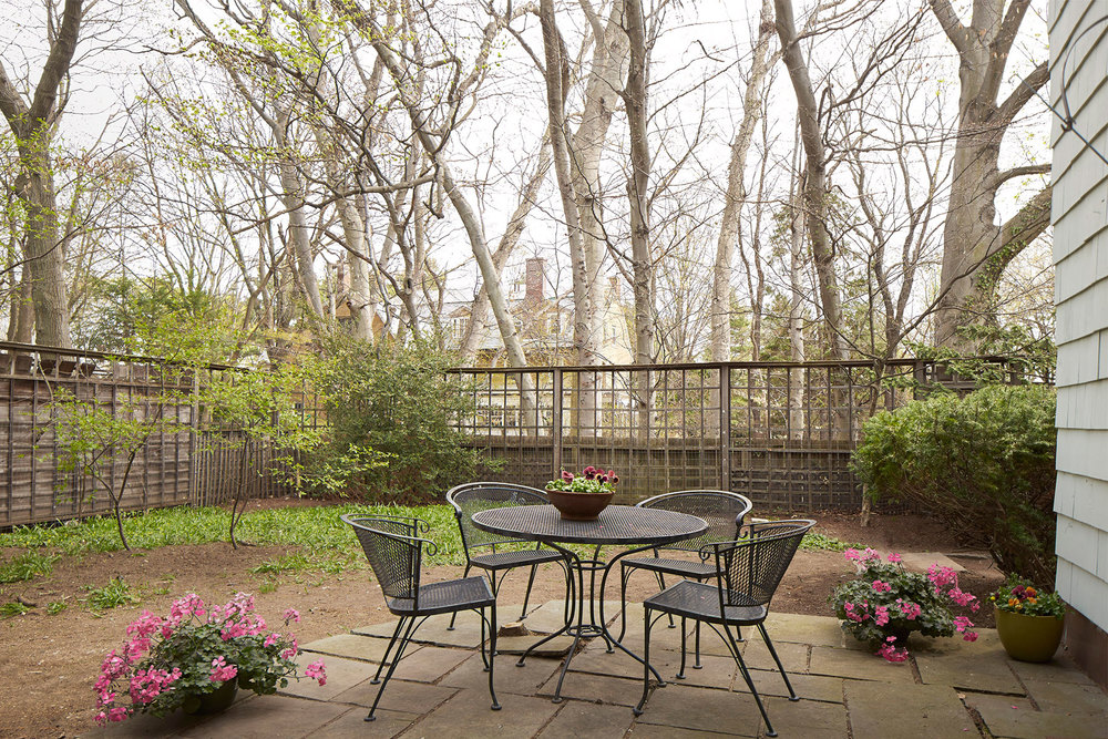 10---127_coolidge_hill_kitchen-patio.jpg