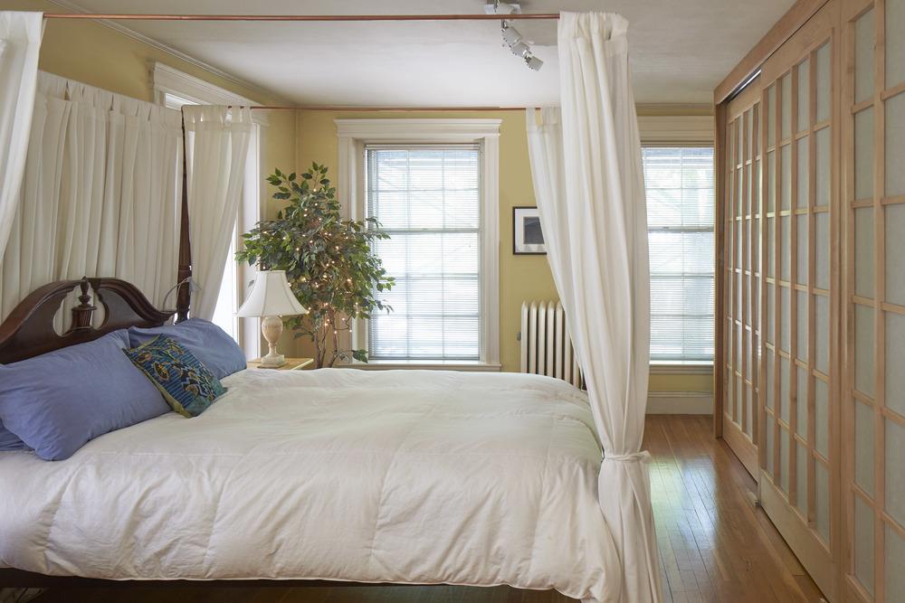 244_brattle_st_unit_21_bedroom2.jpg