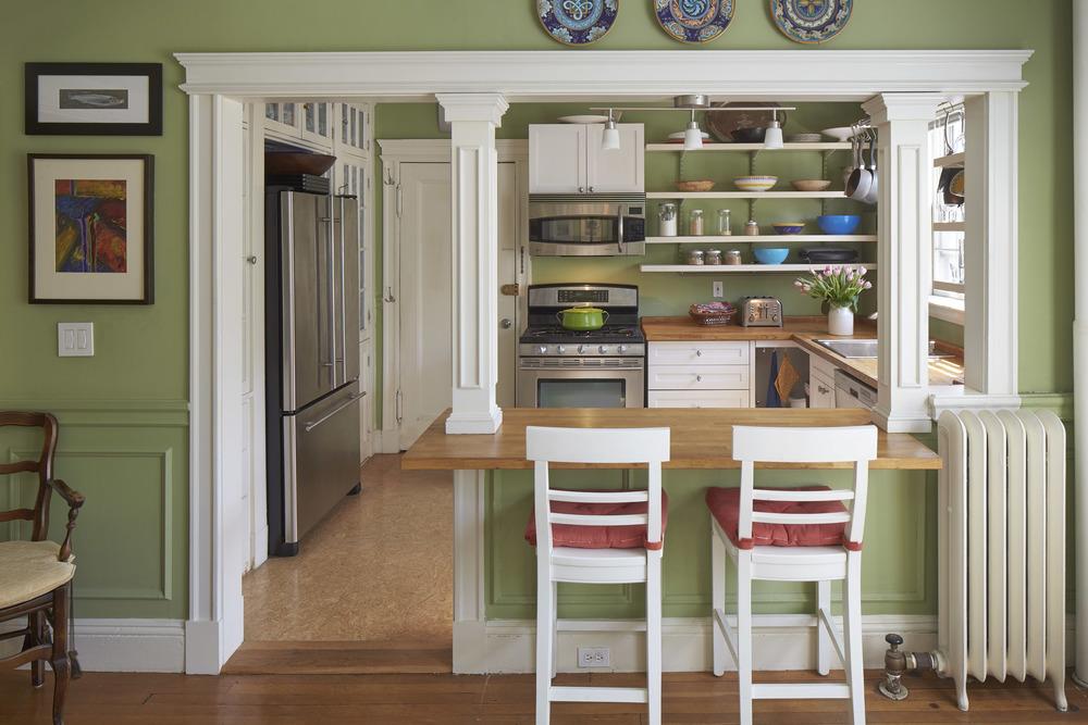 244_brattle_st_unit_21_kitchen.jpg