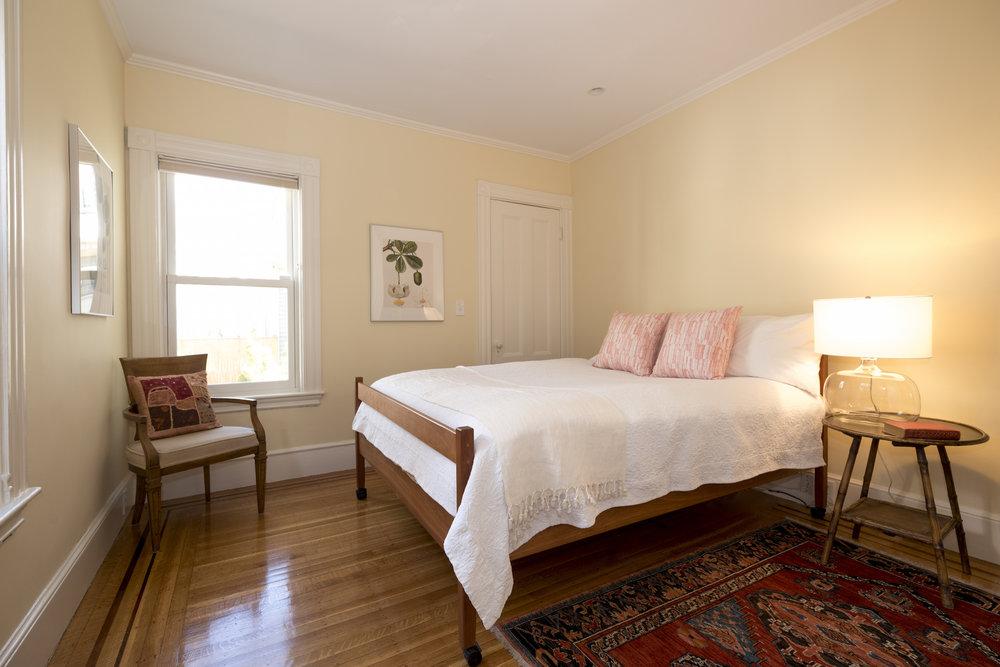 master bedroom-1200345_a.jpg