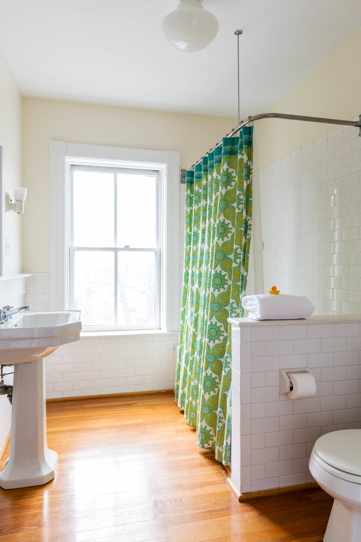 Bathroom hi.jpg