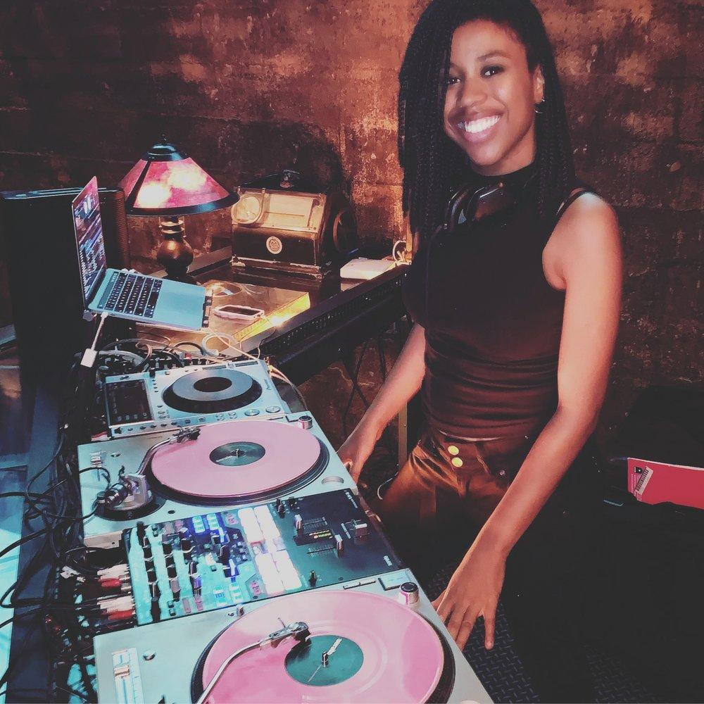 Los Angeles DJ - female DJ