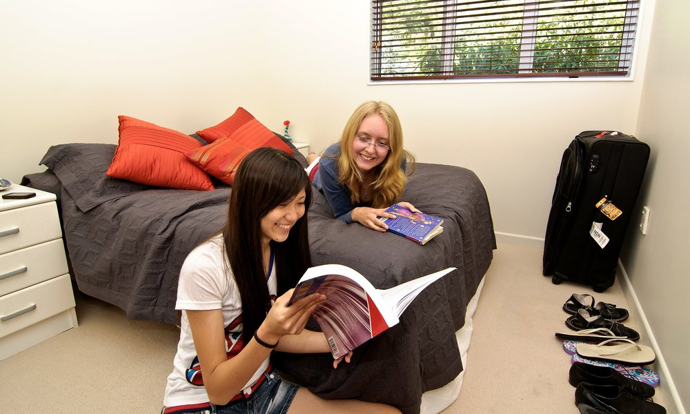 STUDENT LIFE. Travel, accommodation and more