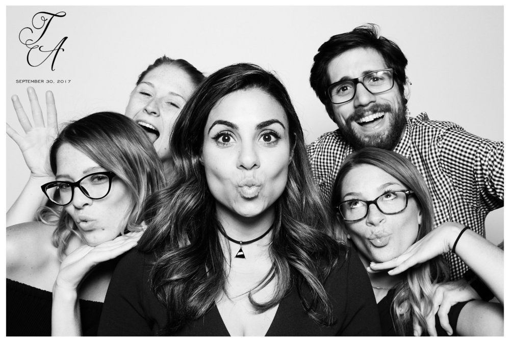 MDRN Photobooth Company_9.jpg