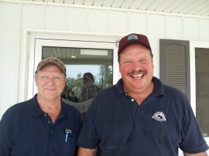 Terry Stammen, right, of Wabash Way Holsteins with Dean Stoller of WG Dairy Supply in Ohio.