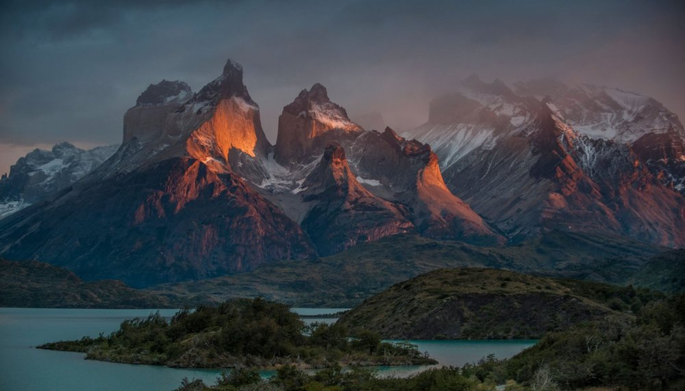 patagonia-at-sunrise_h.jpg